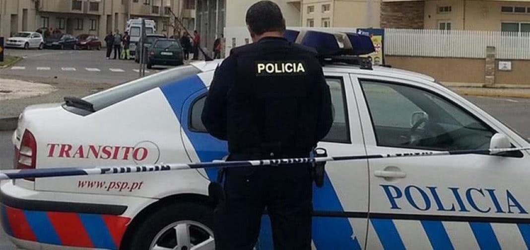 Agentes da PSP deixaram uma criança no carro
