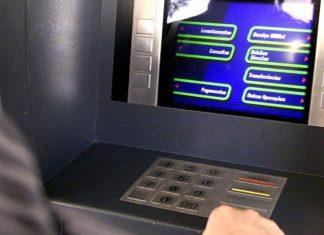 aparelho de clonagem de cartões em multibanco