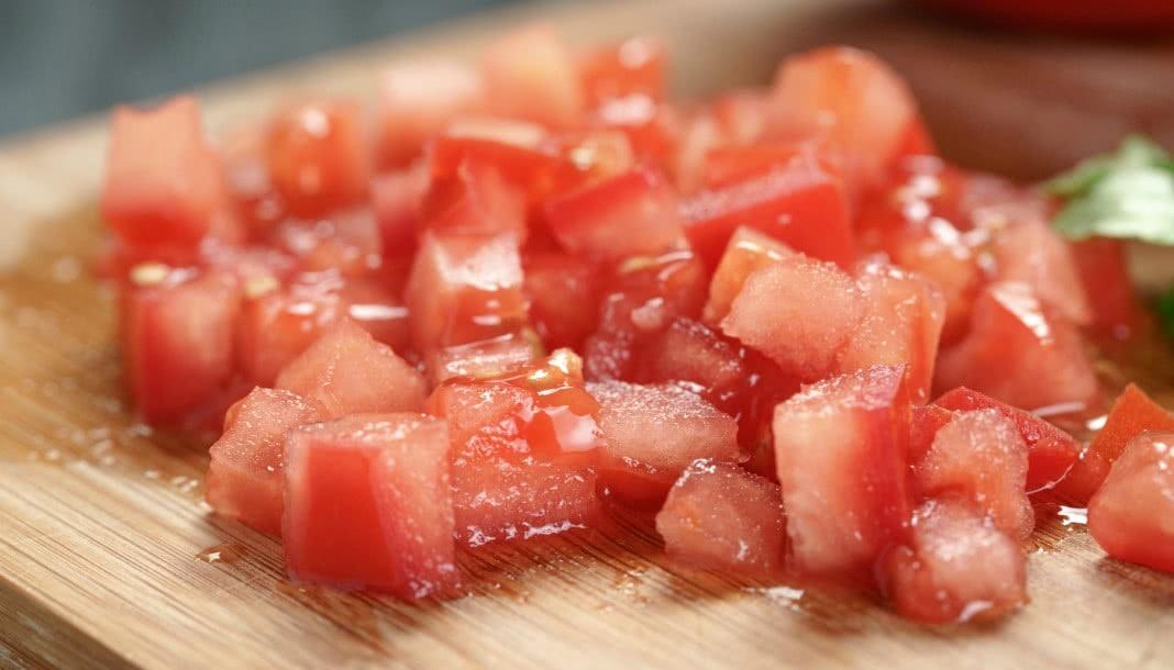 comer cebola e tomate juntos garante benefícios em dobro
