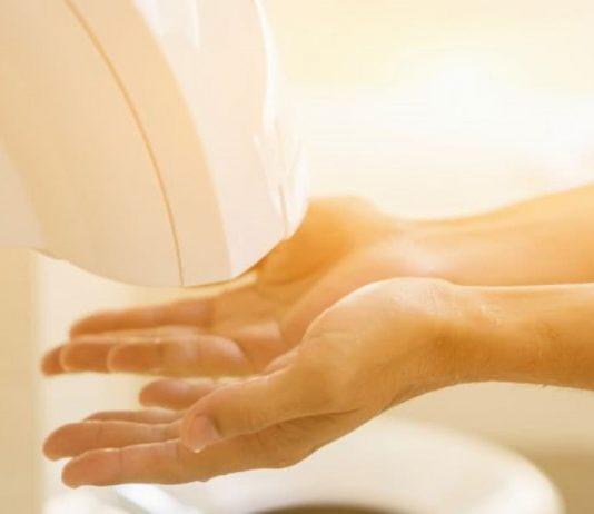 Secadores de mão em casas de banho espalham bactérias de fezes nas mãos