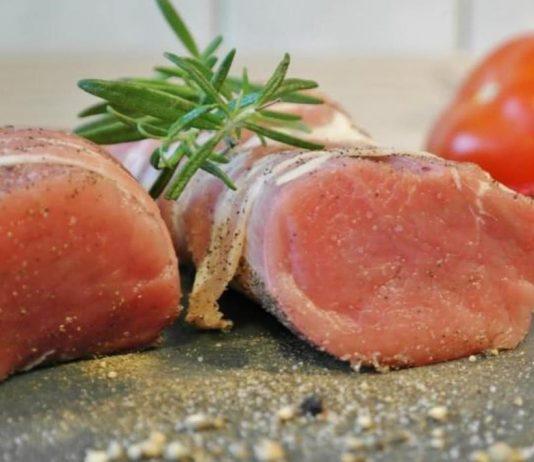 comer carne de porco crua