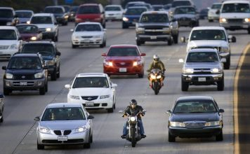 Motas não podem furar filas de trânsito
