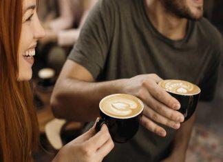 pessoas que bebem café sem açúcar