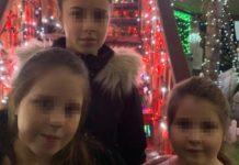 mãe antecipa Natal com os filhos