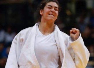 Patrícia Sampaio conquista medalha de bronze