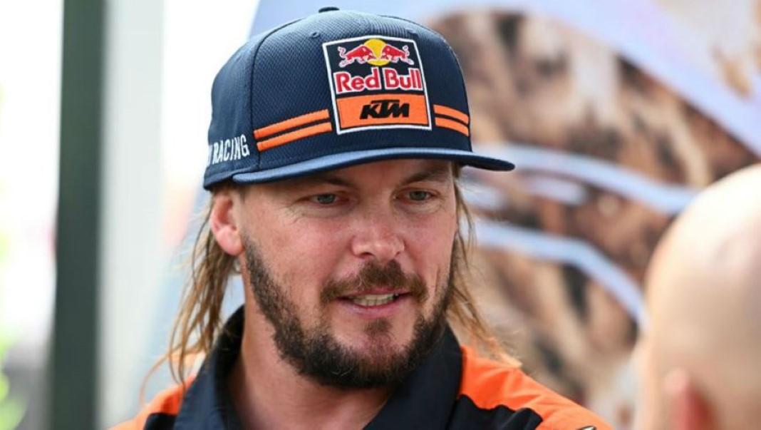 Campeão em título do Dakar