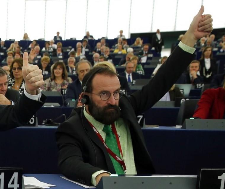 Hungria diz não adoção casais homossexuais