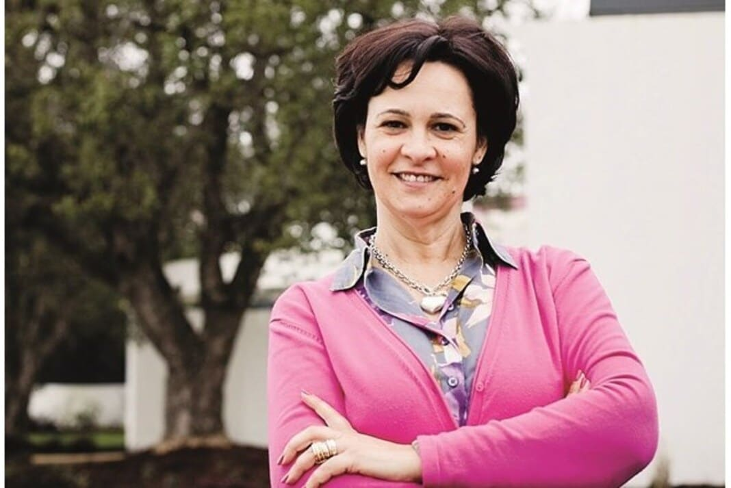 Paula Brito e Costa encaixa 74 mil euros