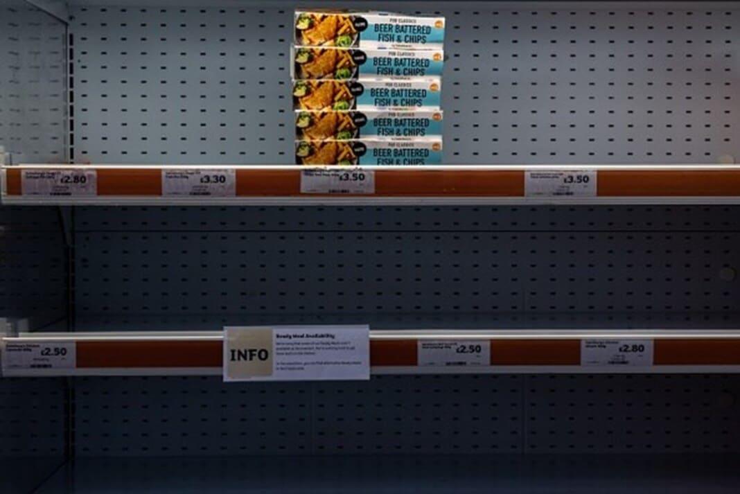 Britânicos assaltam supermercados
